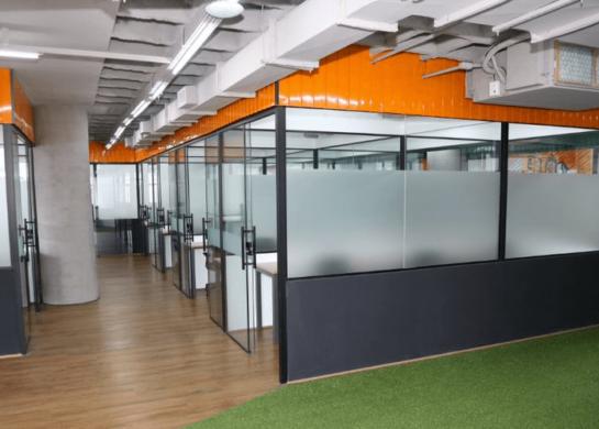 Espaço de coworking da Mango: sala privada
